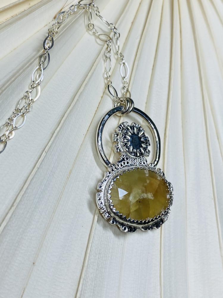 Sunflower sapphire necklace